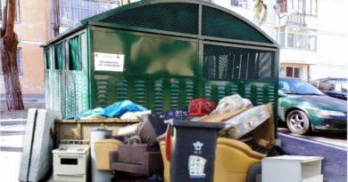 Luni, 27 septembrie, în Râmnicu Vâlcea se colectează gratuit deşeurile voluminoase şi deşeurile de echipamente electrice şi electronice